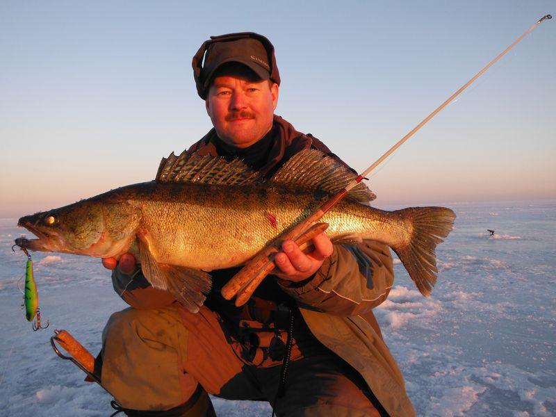 Март рыбалка на рыбинке