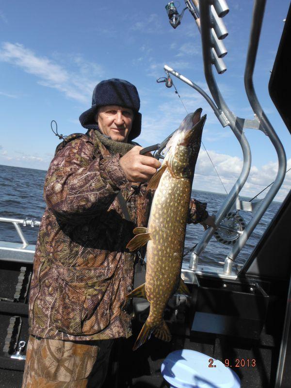 рыбалка на рыбинском летом видео